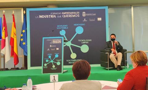 """Presentación en el Encuentro Empresarial """"La Industria que queremos"""" organizado por el Ayuntamiento de Puertollano exponiendo las potencialidades de la planta CLaMber. IRIAF"""